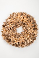 Kartoos Flower With Spikes Wreath in Tra